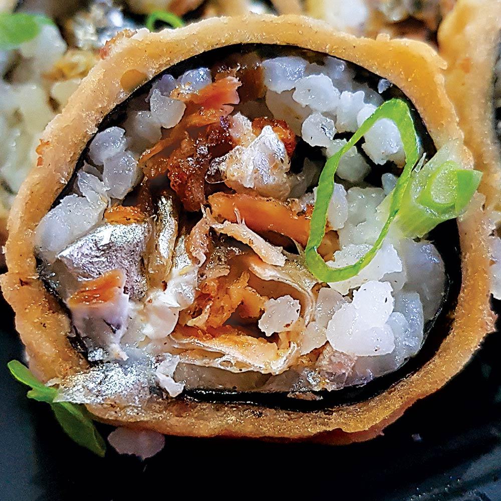 Roll Hot Salmão Skin - Delivery Sushi Rão, o Maior do Brasil. O melhor da Comida Japonesa na sua casa!