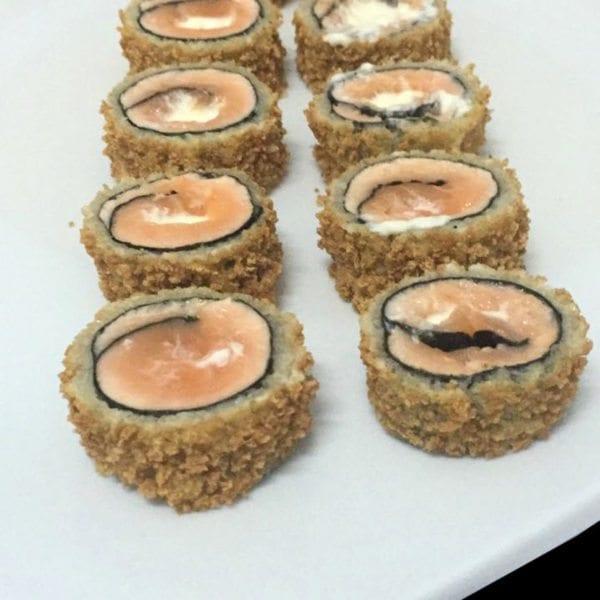 Roll Salmão Hot - Delivery Sushi Rão, o Maior do Brasil. O melhor da Comida Japonesa na sua casa!